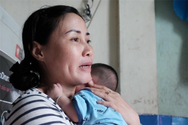 Người phụ nữ cưu mang bé trai bị bỏ rơi suốt 3 tháng trời có nguy cơ không được nhận con nuôi - Ảnh 4.