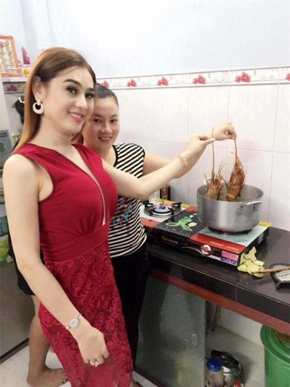 Chưa chính thức làm dâu, Lâm Khánh Chi đã được bố mẹ chồng hết mực cưng chiều - Ảnh 2.
