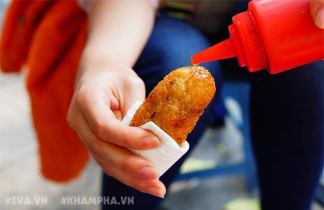 ghe hang banh ran man via he pho nha chung voi cach an 'co mot khong hai' - 11