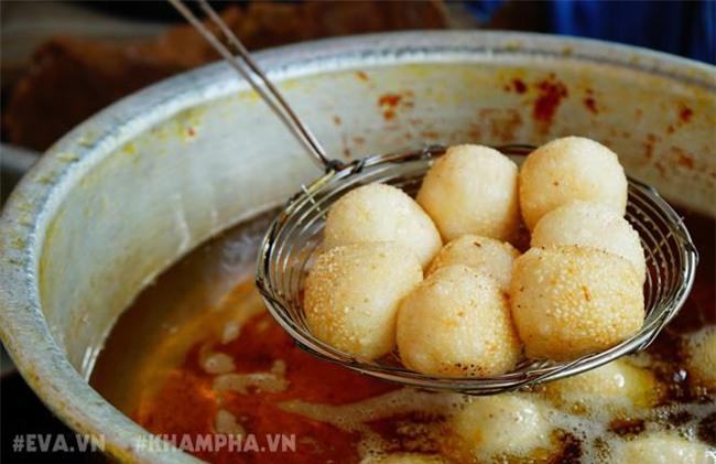 ghe hang banh ran man via he pho nha chung voi cach an 'co mot khong hai' - 15
