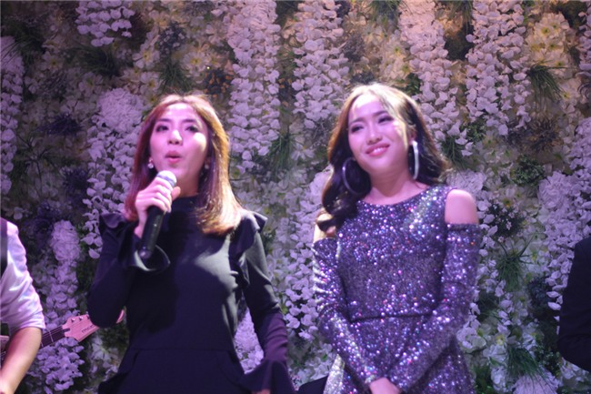 Clip: Màn song ca thảm họa phá nát hit Hương Tràm của Thu Trang - Diệu Nhi tại đám cưới Vinh Râu-2