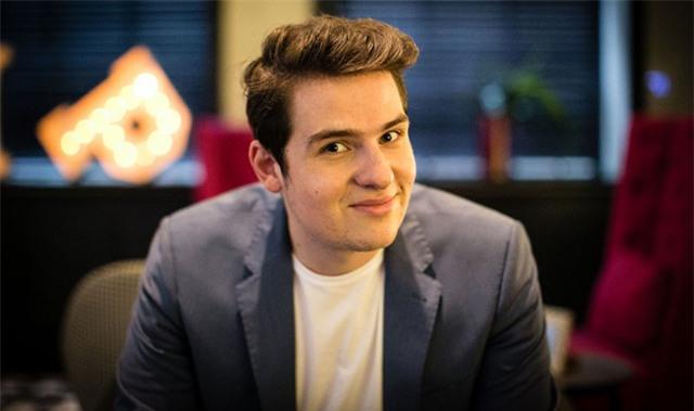 Brandon Evertz, 23 tuổi, CEO công ty Big Review TV trị giá 13 nghìn tỷ đồng. (Nguồn: finance.nine.com.au)