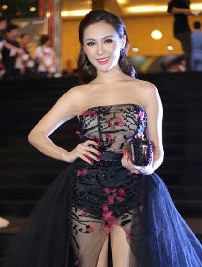 Vừa chăm hở bạo lại chọn nội y thiếu tinh tế, nhiều sao Việt tự ghi tên mình vào Top sao mặc xấu năm 2017 - Ảnh 14.