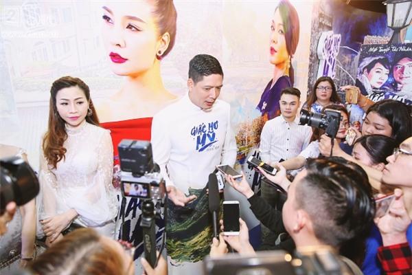 Giữa tâm bão ngoại tình, Bình Minh vẫn vui vẻ đi ra mắt phim mới-3
