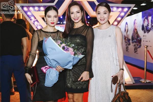 Giữa tâm bão ngoại tình, Bình Minh vẫn vui vẻ đi ra mắt phim mới-7