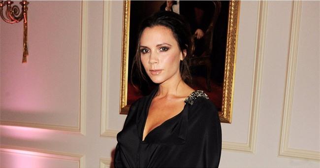 Phẫu thuật ngực tới 4 lần, Victoria Beckham thừa nhận đây là việc làm khiến cô hối hận - Ảnh 4.