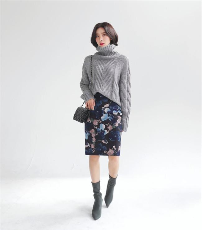 Áo len + chân váy: kết hợp thế nào để vừa ấm áp vừa gợi cảm, nữ tính trong đông này - Ảnh 10.