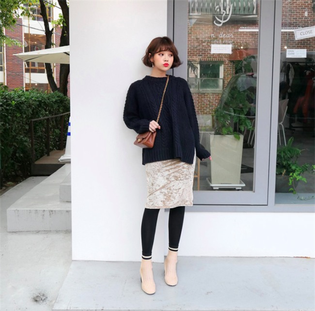 Áo len + chân váy: kết hợp thế nào để vừa ấm áp vừa gợi cảm, nữ tính trong đông này - Ảnh 11.