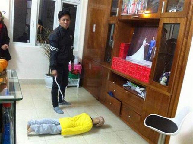 tin nong: tam giu hinh su nguoi bo bao hanh con trai 10 tuoi ran so nao - 1