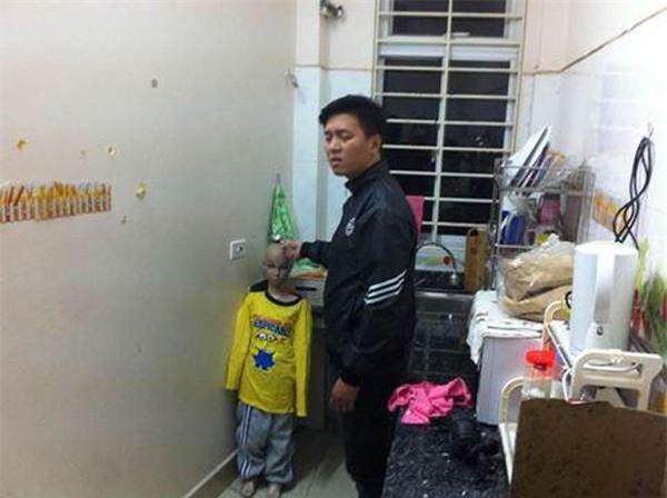 tin nong: tam giu hinh su nguoi bo bao hanh con trai 10 tuoi ran so nao - 2
