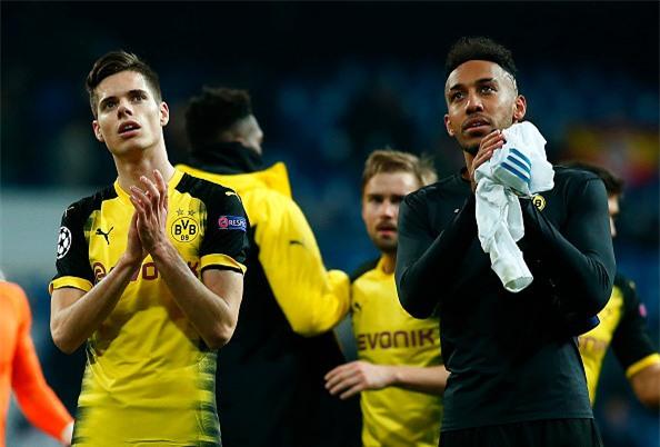 Lap sieu pham ha Dortmund, Ronaldo di vao lich su cup chau Au hinh anh 14
