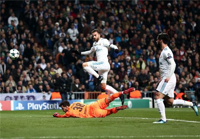 Lap sieu pham ha Dortmund, Ronaldo di vao lich su cup chau Au hinh anh 3