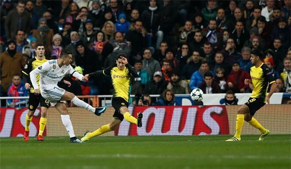 Lap sieu pham ha Dortmund, Ronaldo di vao lich su cup chau Au hinh anh 4
