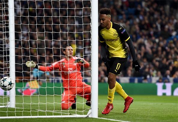 Lap sieu pham ha Dortmund, Ronaldo di vao lich su cup chau Au hinh anh 8