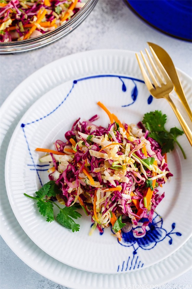 Salad bắp cải làm kiểu này đã nhanh lại còn ngon lắm nhé! - Ảnh 6.