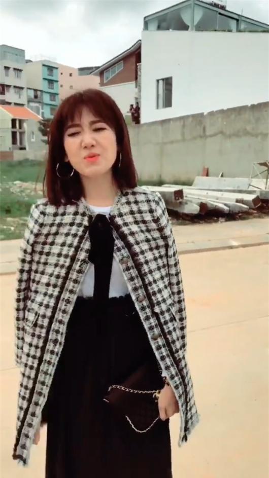 Bị tố mặc hàng hiệu mà đi giày dởm, Hari Won nói lái: Đừng có hỏi tiền vì tiền không là tất cả-3