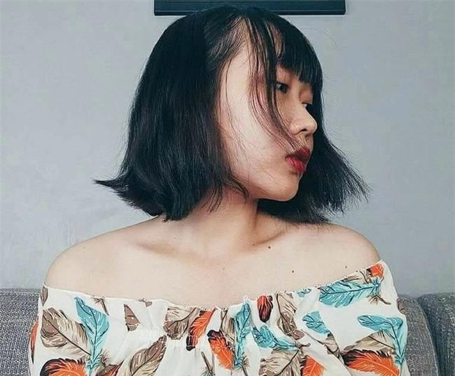 TP.HCM: Nữ sinh viên 20 tuổi hốt hoảng phát hiện chất lạ trong áo nịt ngực nhãn mác Trung Quốc - Ảnh 1.
