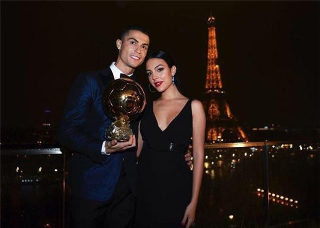 Con gái Ronaldo và Georgina được tặng món quà nhỏ siêu dễ thương - Ảnh 2.