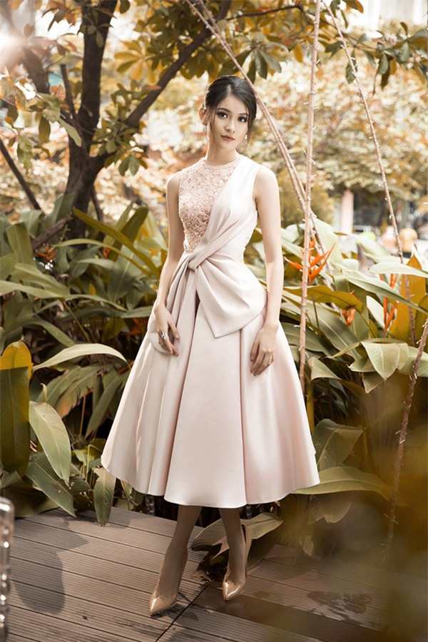 Bất chấp Phạm Hương cá tính nổi bật, Angela Phương Trinh vẫn chiếm spotlight thảm đỏ tuần này-6