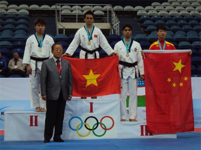 Nguyễn Đình Toàn đã làm vẻ vang thể thao nước nhà trên các đấu trường thể thao khu vực và quốc tế.