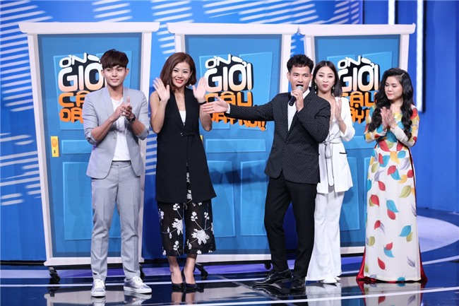 CHẾT CƯỜI: Lần đầu tiên Hoài Linh vén quần khoe đùi trắng nõn trên sóng truyền hình-4