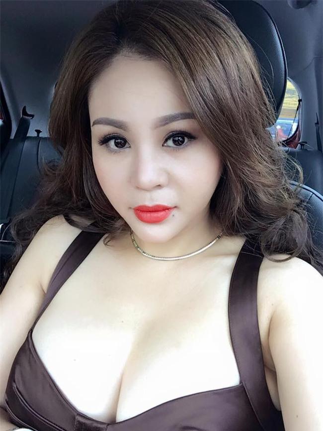 Vẻ nóng bỏng của Lê Giang ở tuổi 45 nhờ phẫu thuật thẩm mỹ toàn cơ thể - Ảnh 4.
