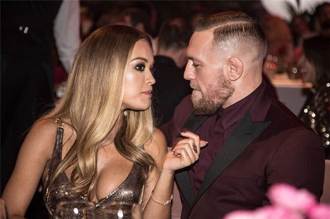 McGregor dính tin đồn lừa dối vợ, qua đêm với nữ ca sĩ Rita Ora - Ảnh 1.