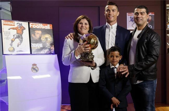 Ronaldo đã cứu vớt cuộc đời anh trai nghiện rượu và ma túy như thế nào? - Ảnh 5.