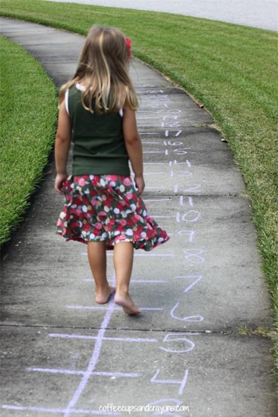 3 trò chơi vừa giúp trẻ học toán, vừa cải thiện khả năng đọc hiểu  - Ảnh 2.