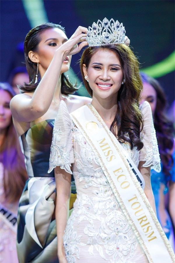 Á khôi Liên Phương bất ngờ đoạt vương miện Miss Eco Tourism 2017-1