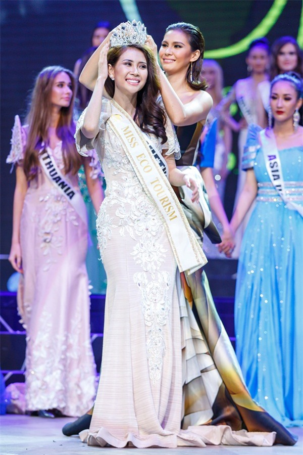 Á khôi Liên Phương bất ngờ đoạt vương miện Miss Eco Tourism 2017-2
