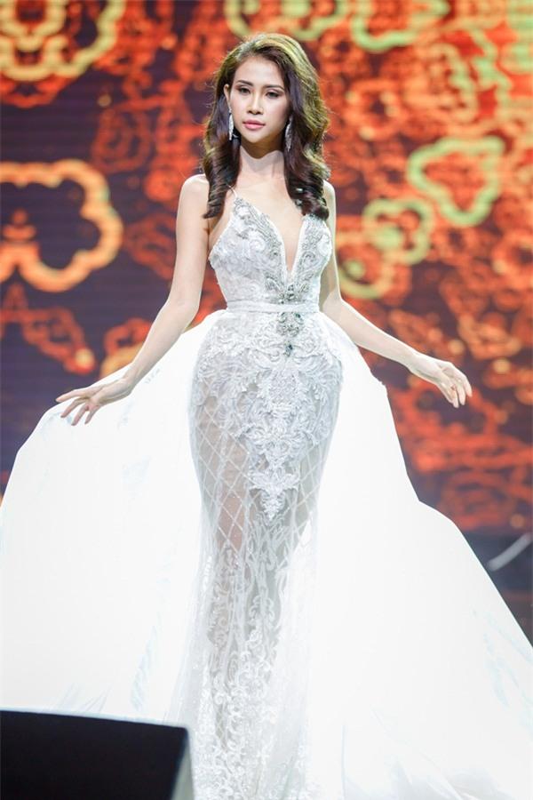 Á khôi Liên Phương bất ngờ đoạt vương miện Miss Eco Tourism 2017-6