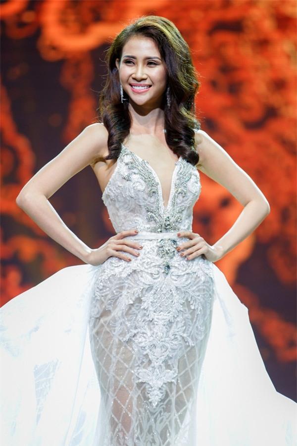 Á khôi Liên Phương bất ngờ đoạt vương miện Miss Eco Tourism 2017-7