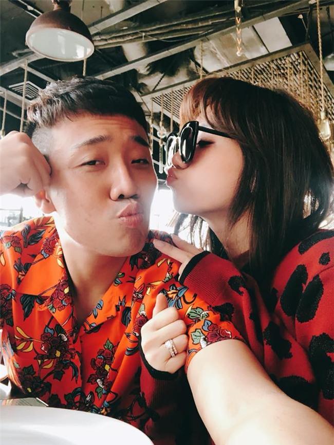 Vợ chồng Hari Won và Trấn Thành nhắng nhít kỉ niệm 700 ngày yêu nhau - Ảnh 2.