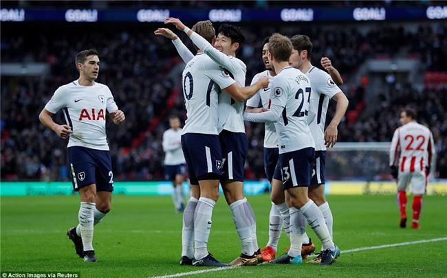 Harry Kane lập cú đúp, Tottenham đẩy Arsenal xuống thứ 6 - Ảnh 3.