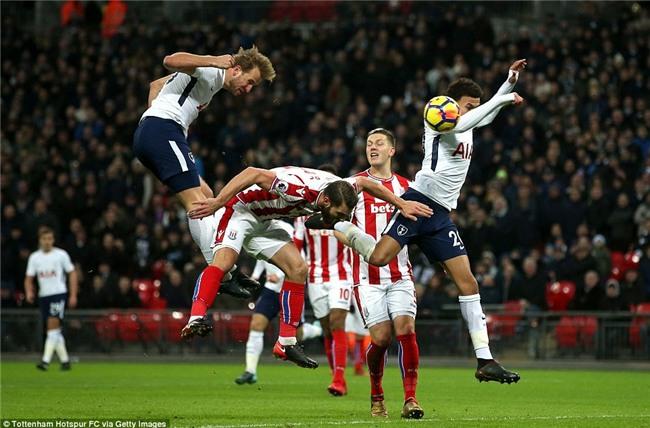 Harry Kane lập cú đúp, Tottenham đẩy Arsenal xuống thứ 6 - Ảnh 6.