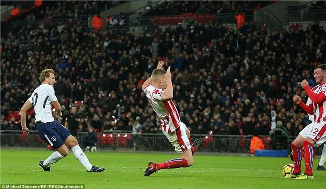 Harry Kane lập cú đúp, Tottenham đẩy Arsenal xuống thứ 6 - Ảnh 7.