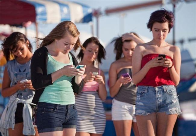 Thanh niên Trung Quốc bị liệt vì chơi game trên điện thoại 2 ngày ròng - Ảnh 3.