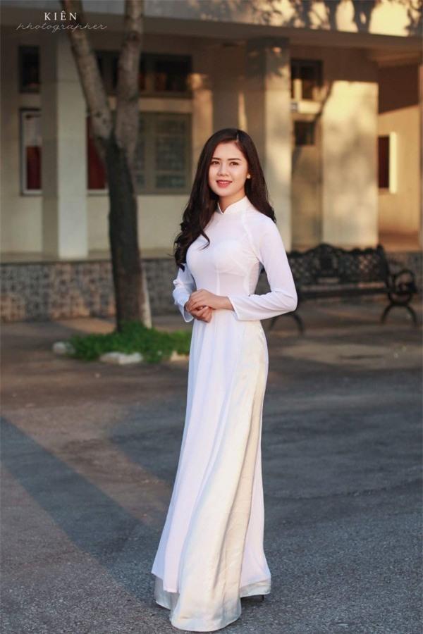 Hoa khôi Đại học Vinh bật khóc hạnh phúc khi Quế Ngọc Hải cầu hôn - Ảnh 8.