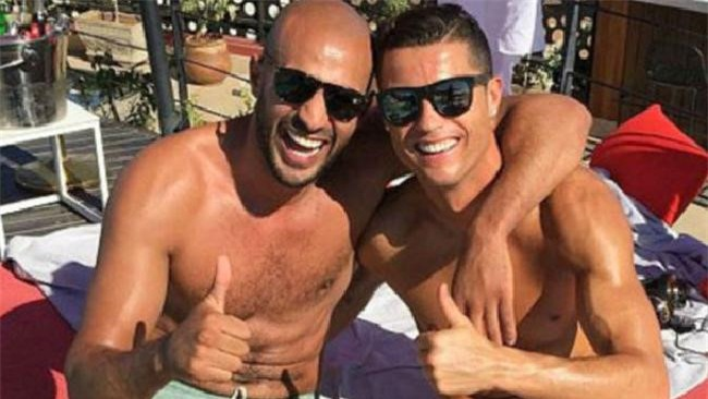 'Ban trai tin don' cua Ronaldo man han tu, san sang tranh dai the gioi hinh anh 2