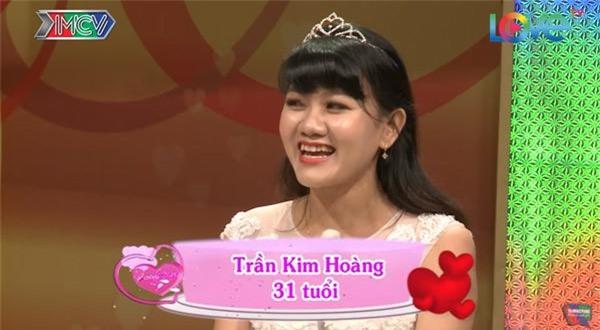 vo chong son: chet cuoi voi anh chong tre con, khong dam 'gan gui' vo bau vi so 'trung con' - 1