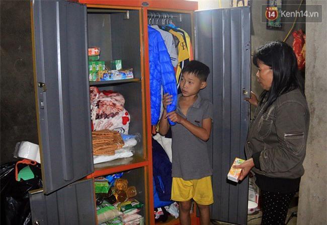 Bé trai 9 tuổi một mình sống giữa mộ bia ở Quảng Trị hơn 700 đêm và niềm vui ngày mẹ trở về - Ảnh 9.