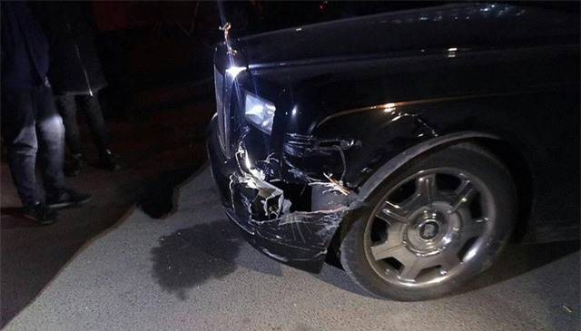 Bị đâm vỡ đầu xe, chủ Rolls-Royce nói với tài xế Hyundai: Bán nhà đi - Ảnh 3.