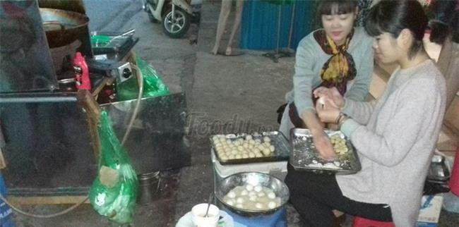 Mách bạn 4 hàng bánh rán chỉ từ 1k mà chủ hàng lúc nào cũng niềm nở, thân thiện ở Hà Nội - Ảnh 16.