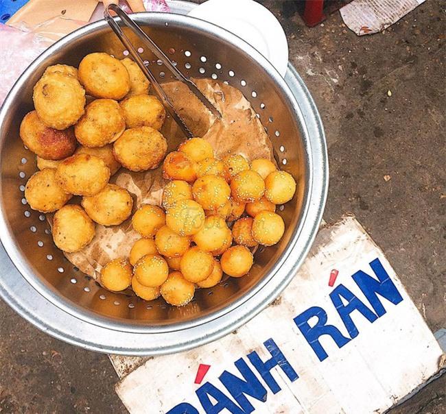 Mách bạn 4 hàng bánh rán chỉ từ 1k mà chủ hàng lúc nào cũng niềm nở, thân thiện ở Hà Nội - Ảnh 8.