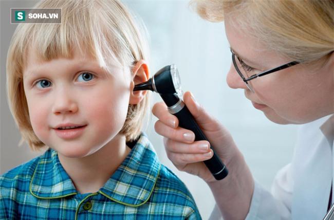 Đừng dùng bông ngoáy tai, nếu muốn lấy ráy tai bạn hãy làm theo cách này! - Ảnh 3.