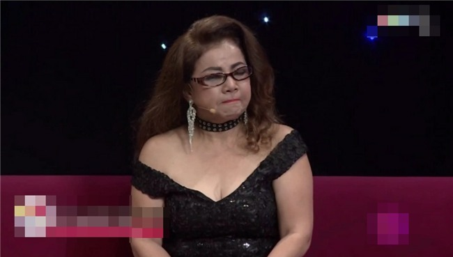 Mẹ Kasim Hoàng Vũ khóc ròng kể lại quá khứ định ôm con nhảy sông tự vẫn vì áp lực ly hôn-2