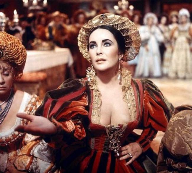 Cuộc đời bi kịch của Nữ hoàng lên ngôi từ 6 ngày tuổi, cả đời lưu lạc và bị giam cầm - Ảnh 1.