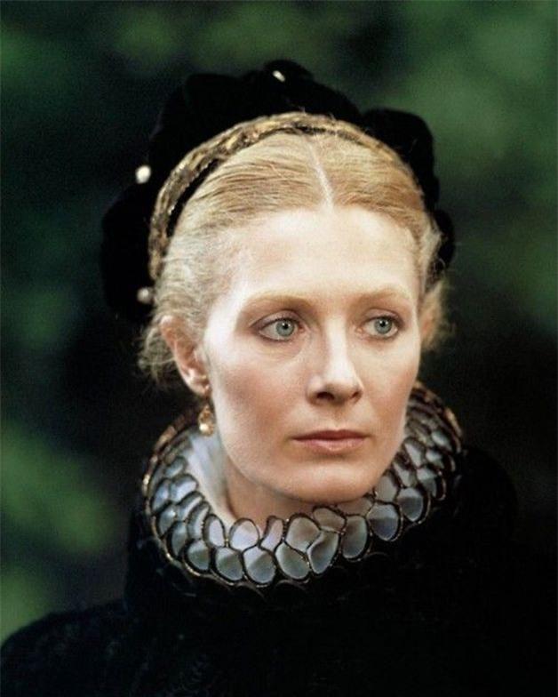 Cuộc đời bi kịch của Nữ hoàng lên ngôi từ 6 ngày tuổi, cả đời lưu lạc và bị giam cầm - Ảnh 6.