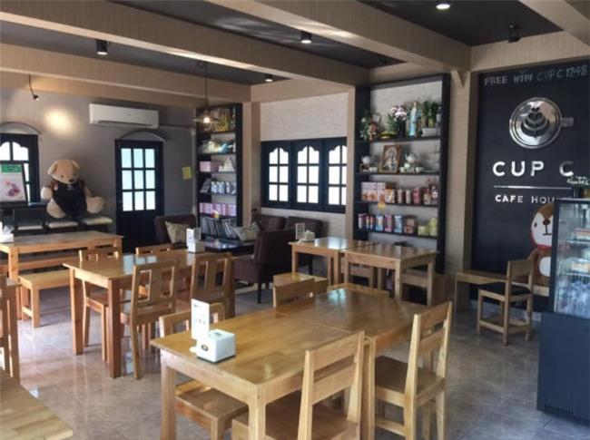 Quán cafe trễ nải đặc biệt ở Thái Lan gây sốt vì dàn nhân viên quá nóng bỏng - Ảnh 1.